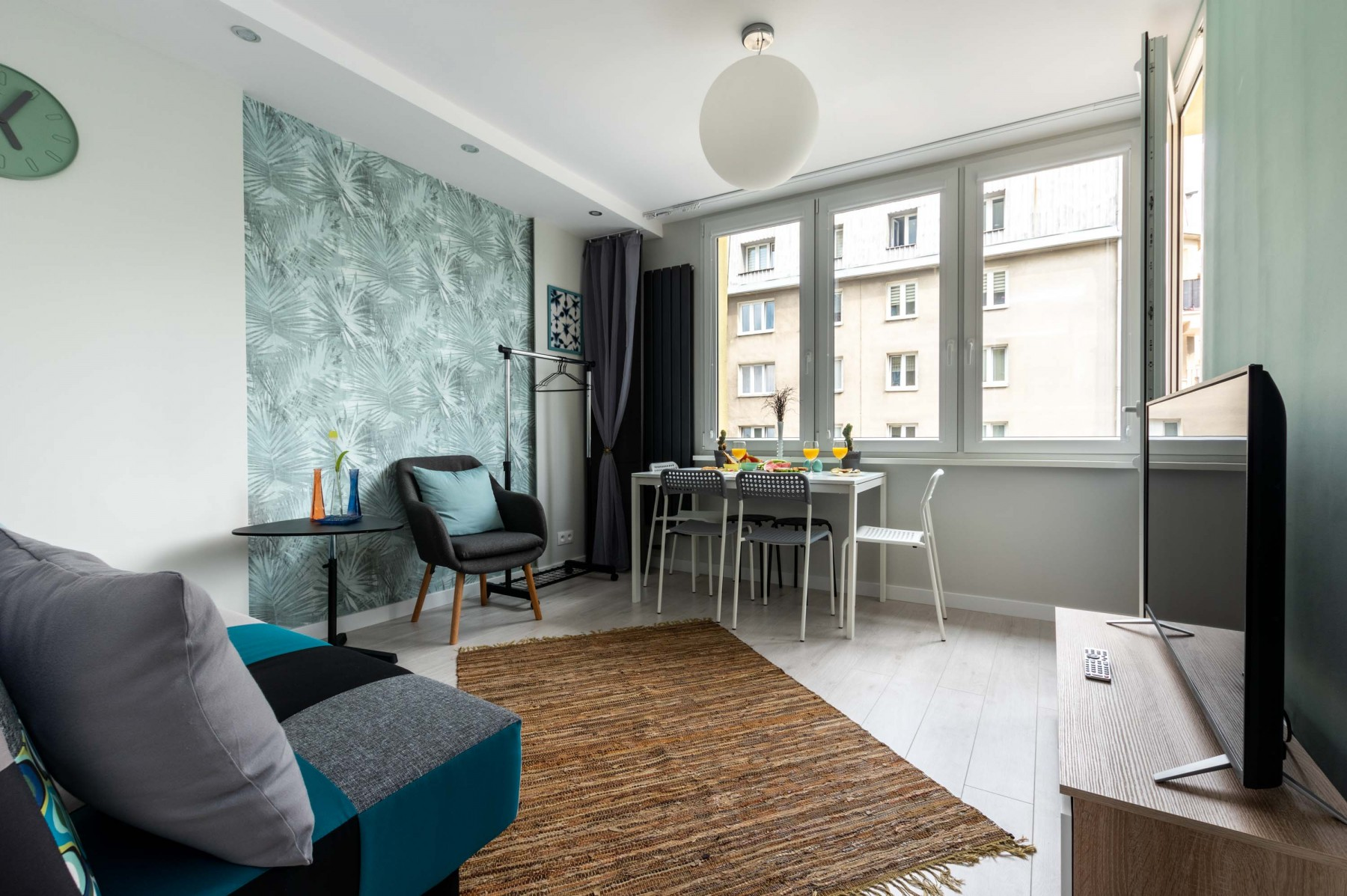 Warsaw Concierge Silver Apartment